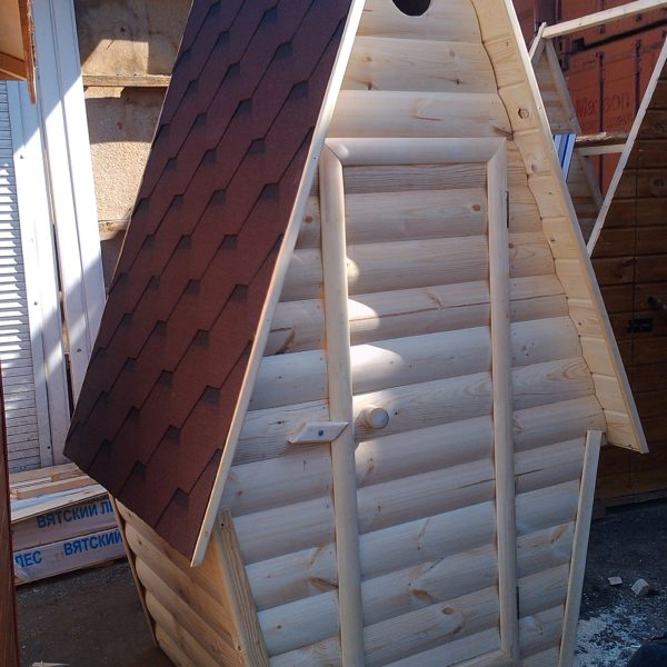 Туалет дачный деревянный Сказка К-11 №6 1.5х1.5х2.6  м